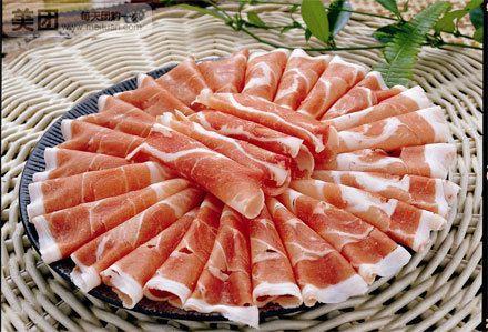 四合饼锅-御膳羊肉:精选6-8个月的内蒙羔羊肉,口感鲜香,久涮不老,扎实的